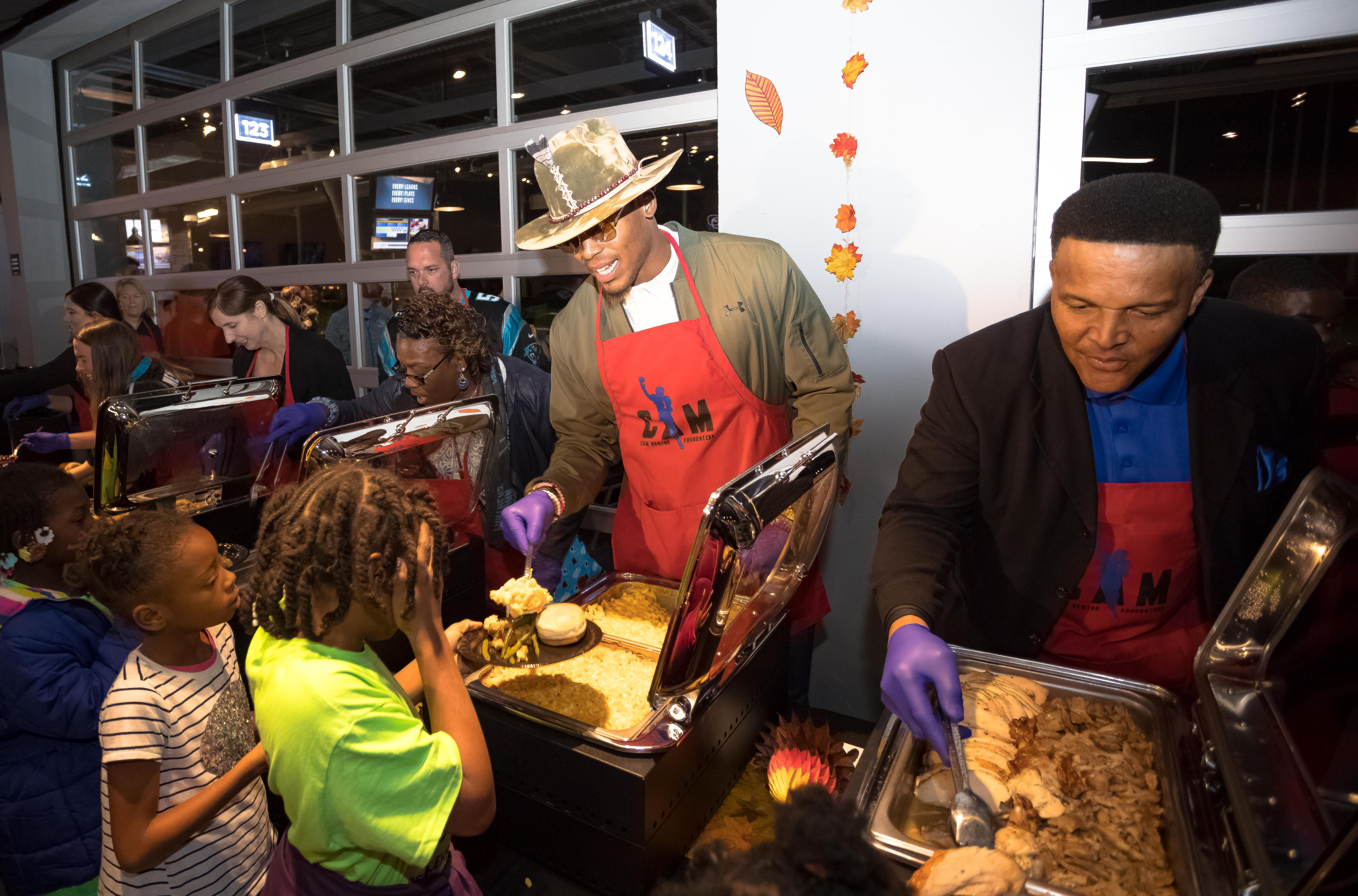 22b77436 NFL Players Association - NFL Players Give Back for Thanksgiving