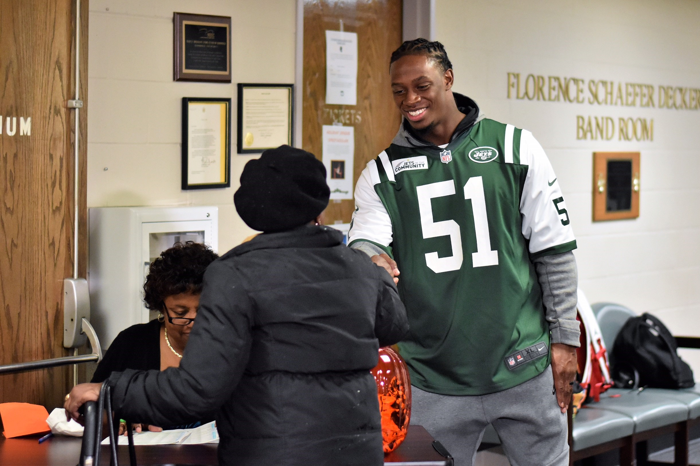 Nfl players association nfl players give back for thanksgiving julian stanford new york jets the linebacker returned to his hometown of bloomfield ct and donated 150 turkeys to the local foodshare before distributing kristyandbryce Image collections