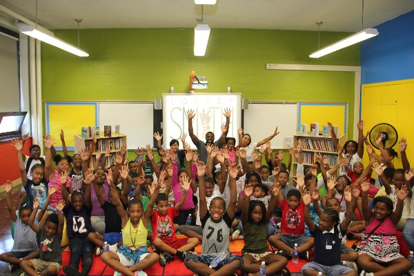 f9a0935f475 NFL Players Association - Torrey Smith Brings Reading Room to Baltimore  Elementary School